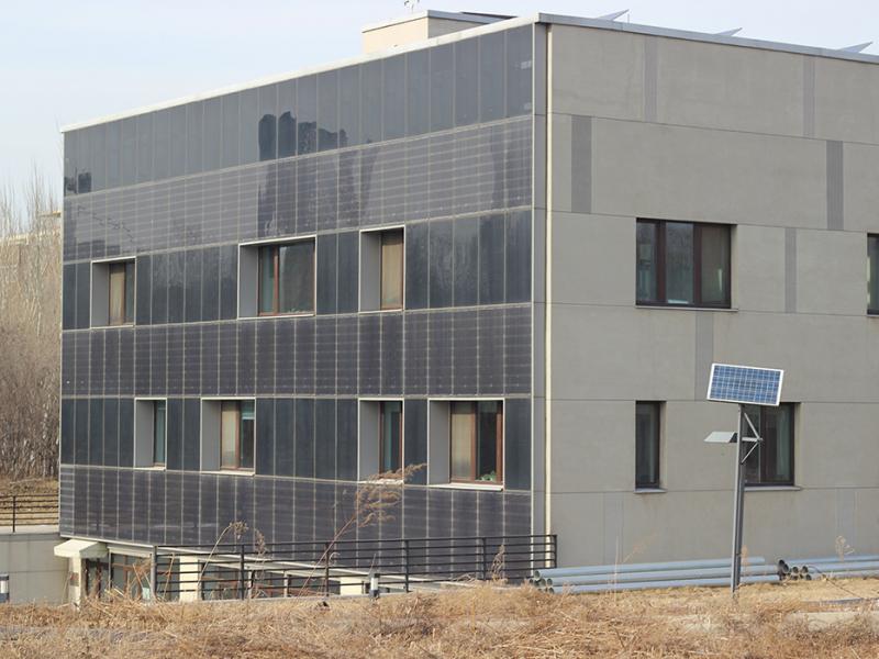 沈阳建筑大学中德被动房光电慕墙